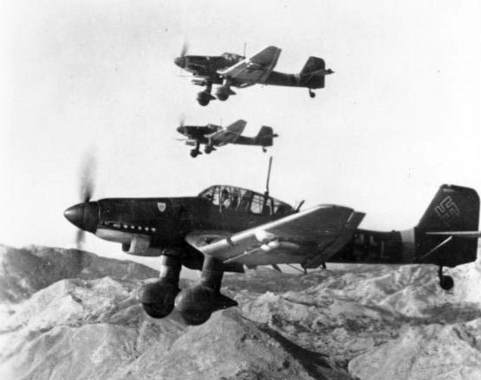 Junkers Ju 87Ds in flight October 1943